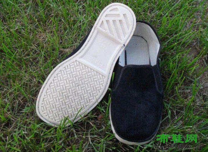 七八十年代的塑料底布鞋,承载着父母的记忆和我们的童年时光